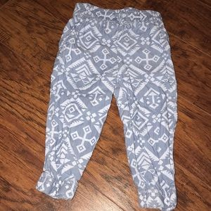 Carter's Bottoms - Carter's 18 months 4 leggings bundle